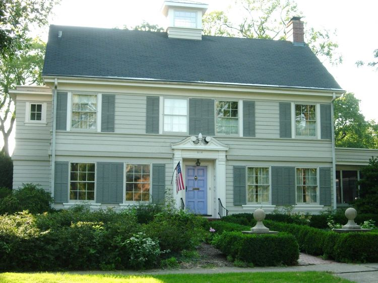 Colonial style in the architecture of the united states photo
