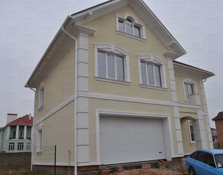 Фасад будинку під продаж – Утеплення + Штукатурка + Декор: фото роботи