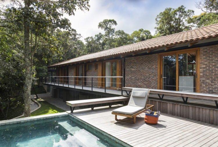 Single Story Brick House up to 100 m²