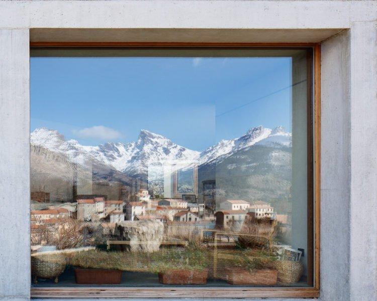 Одноповерхові будинки з панорамним склінням Будинок з панорамним склінням під ключ Панорамне скління балкона будинку