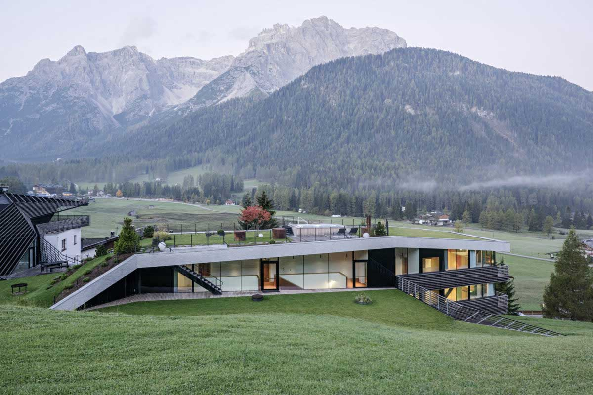 OPERATED ROOF - A NEW TREND FOR SLOPE HOUSES