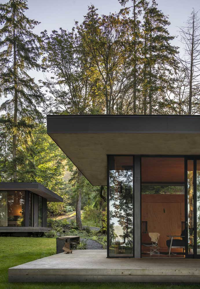 Black Contemporary House Design ➧ Shocking color exterior home in the middle of Hood Canal