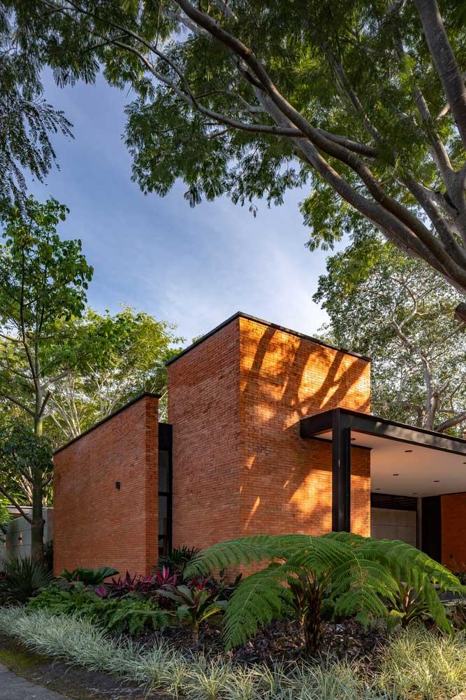 Одноэтажный Дом Г-образной Формы фото дизайн фасад экстерьер интерьер двор участок ландшафт план планировка идеи
