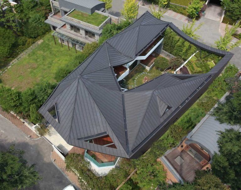 BEAUTIFUL HOUSE ROOF DESIGN