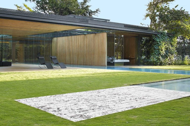 Panoramic Glazing Design in an Ultramodern Country House
