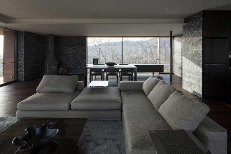 Maison sur Terrain en Pente Exemple photo, conception, idées, plan, mise en page, façade, extérieur, intérieur, paysage, cour, décoration, revêtement