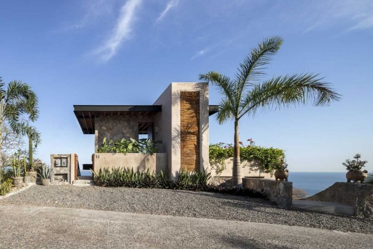 Magnificent House with Panoramic Terrace