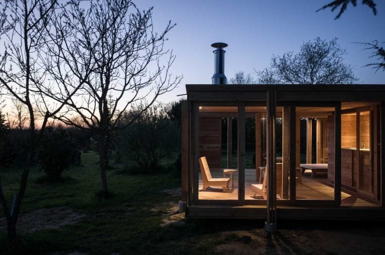 SIMPLE SMALL WOODEN HOUSE DESIGN FROM FRANCE / AN ISLAND OF COMFORT, WARMTH AND COZINESS