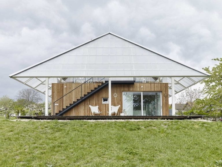 transparent shed roof in a Private House / Family Greenhouse Project