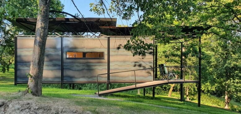 metal frame country house
