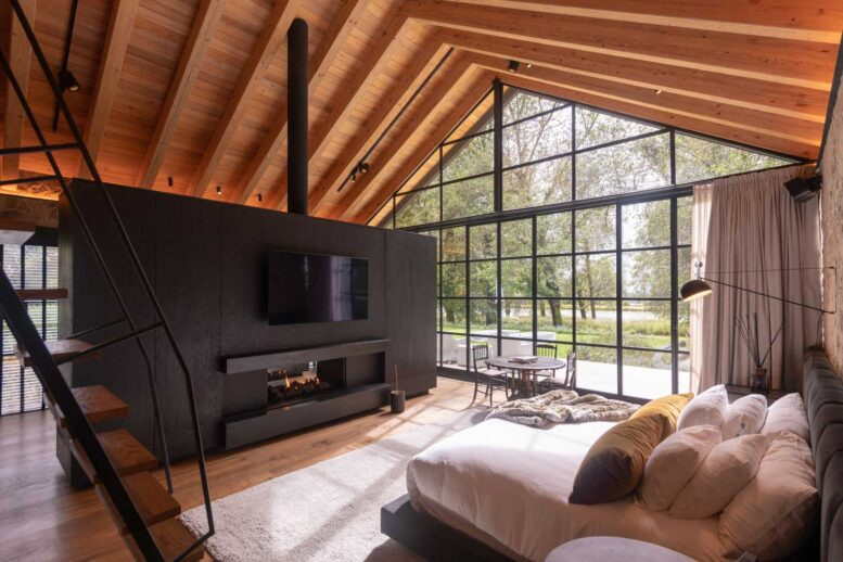 living room of a modern ranch in a barn style: photos, images