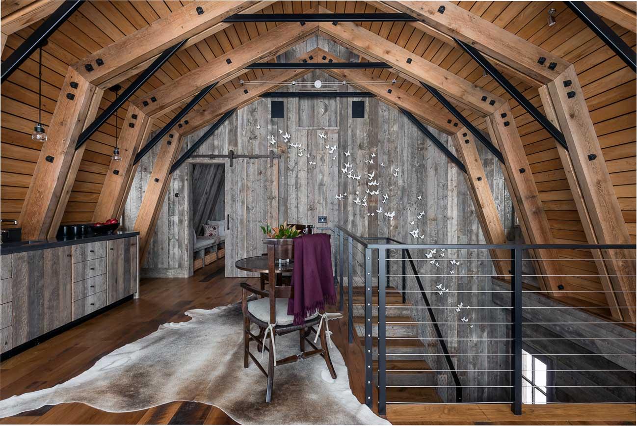 дизайн потолка в зале 2019