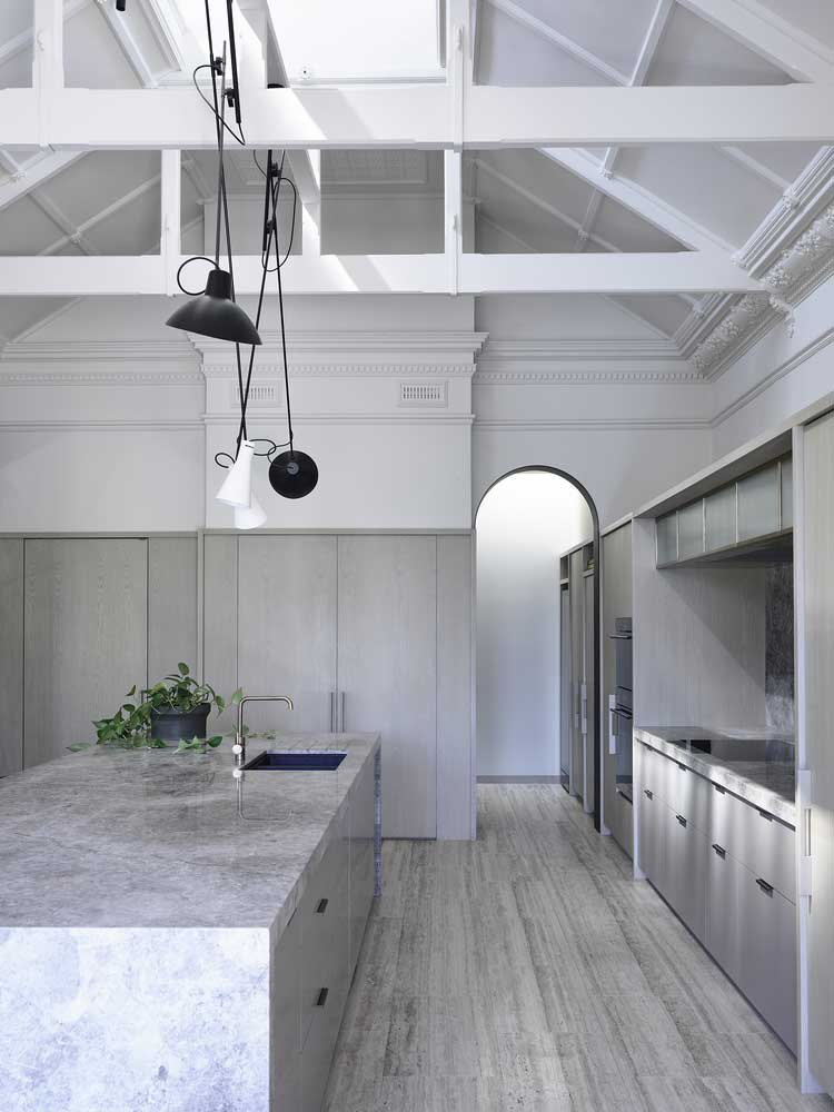 cuisine hauteur sous plafond